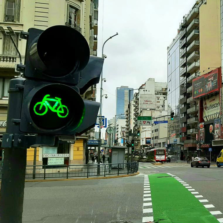 CABA: Reducen la velocidad máxima en avenidas con ciclovías